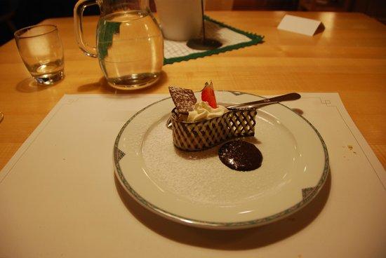 Passo Delle Erbe Wurzjoch: Ottimo dessert ben presentato