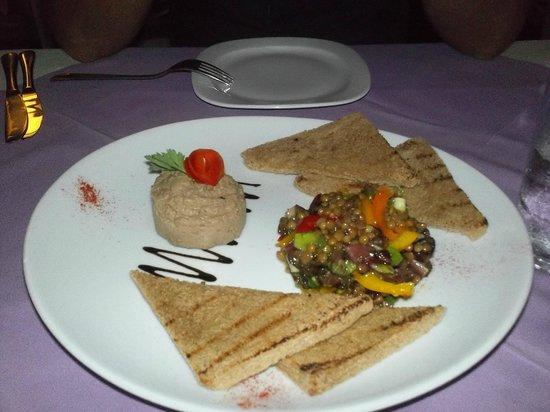 The Final Step: Πατέ από συκωτάκια πουλερικών με σαλάτα φακών και σάλτσα πορτοκαλιού