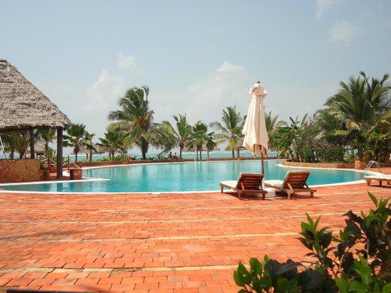 Dongwe Club: piscina dongwe