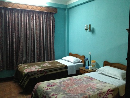 Hotel Lai Lai : twin beded room