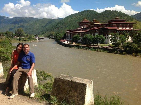 Lumle Holidays - Day Tours: Punakha Dzong Bhutan