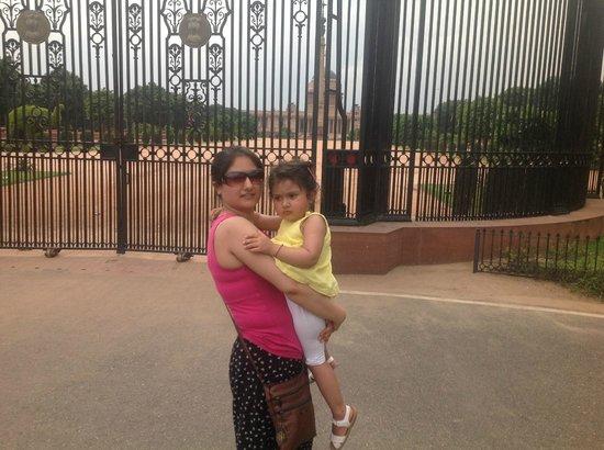 Lumle Holidays - Day Tours: New Delhi India