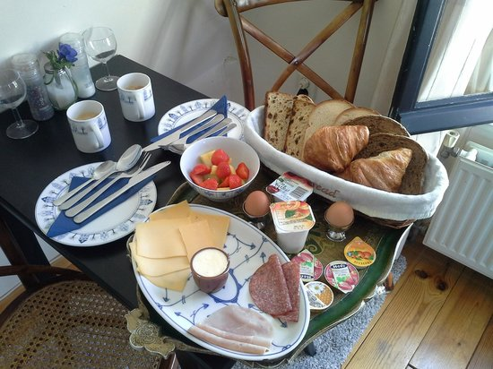 Eelhouse B&B: Breakfast at Eelhouse (not at Tiffany's!)