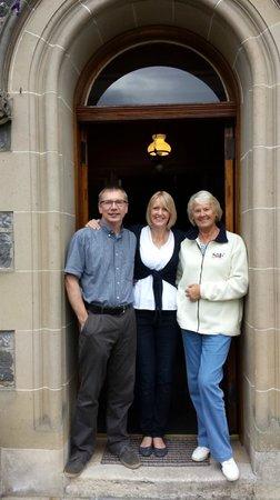 Rossmor Guest House: Neil, Karen & Karens mum.