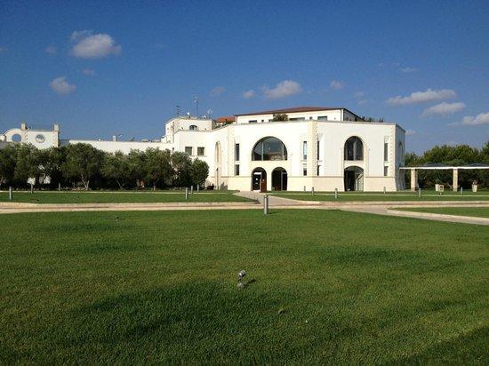 DoubleTree by Hilton Acaya Golf Resort-Lecce: vista del albergo
