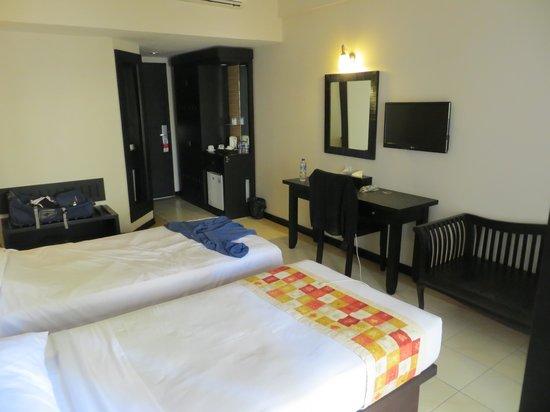 Losari Hotel & Villas : Nice size room