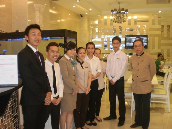 Ruby River Hotel: Some of the wonderful staff
