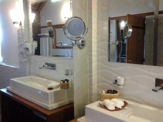 Kalu's Hideaway: Kalu's Suite bathroom