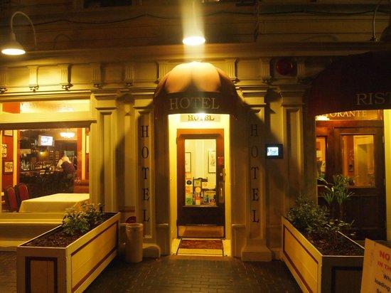 San Remo Hotel: Hotel