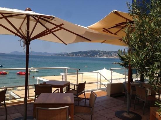 Garden Beach Hotel : petit dejeuner vue mer