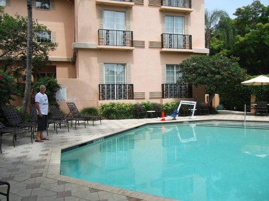 Trianon Old Naples: The pool
