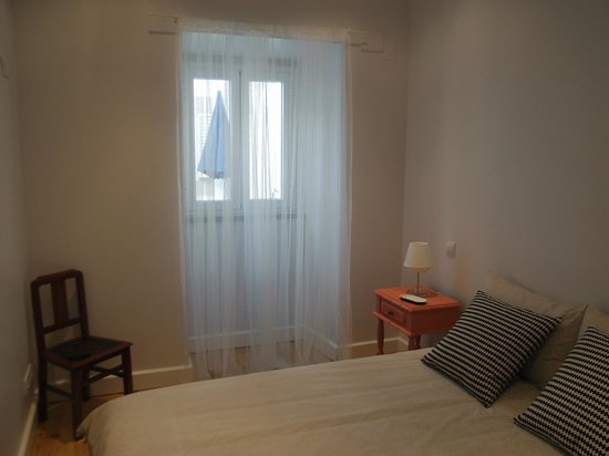 Cacilhas Guest Apartments: Infante apartment bedroom