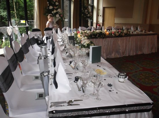 Everglades Hotel : Top table, side view