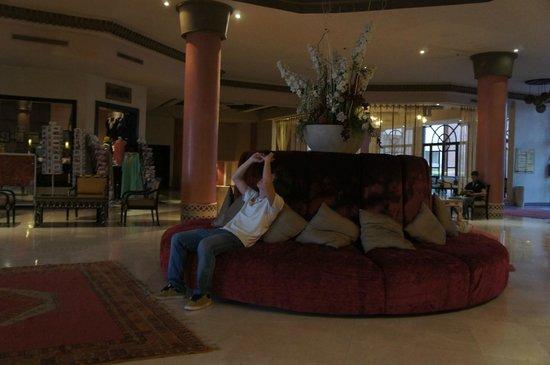 Zalagh Kasbah Hotel and Spa: Átrio
