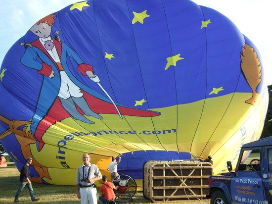 Air Petit Prince: Filling the Balloon with hot gas