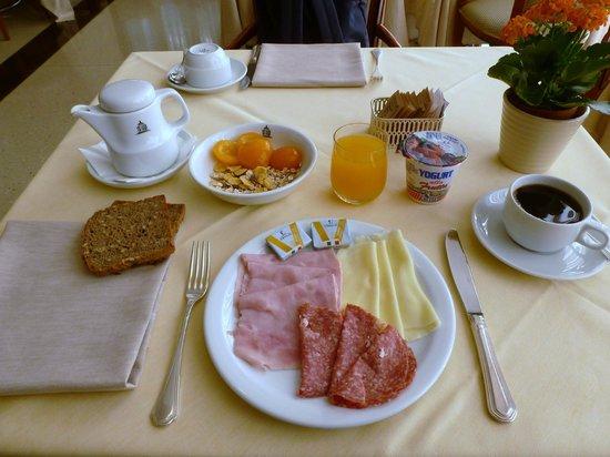 Hotel Campo Marzio: petit déjeuner