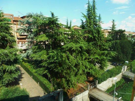 Hotel Campo Marzio: Vue sur e parc et la ville  depuis la chambre au 3eme étage