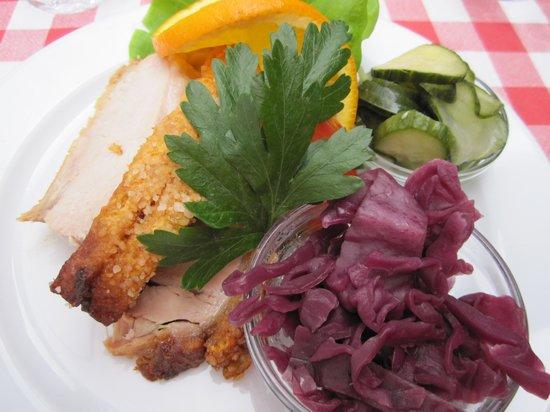 Krogers Familiehave: Danish pork steak open sandwich with all the trimmings