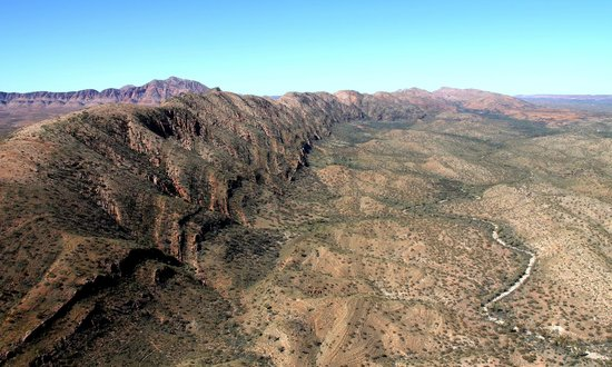 Tjoritja/West MacDonnell National Park: West Macs from the air