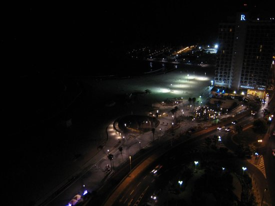 Sheraton Tel Aviv: 18th floor club view at night