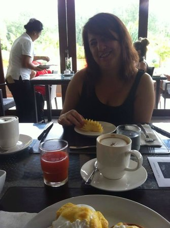 Dewa Phuket Resort Nai Yang Beach: Lovely morning breakfast