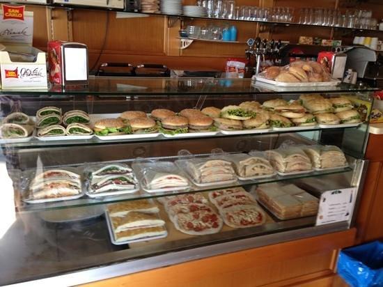Vetrina panini tramezzini foto di bar al faro murano tripadvisor - Bar idee ...