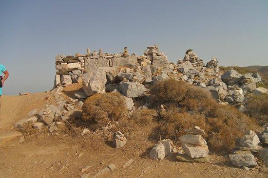 La Tomba di Omero: Il sito dal basso