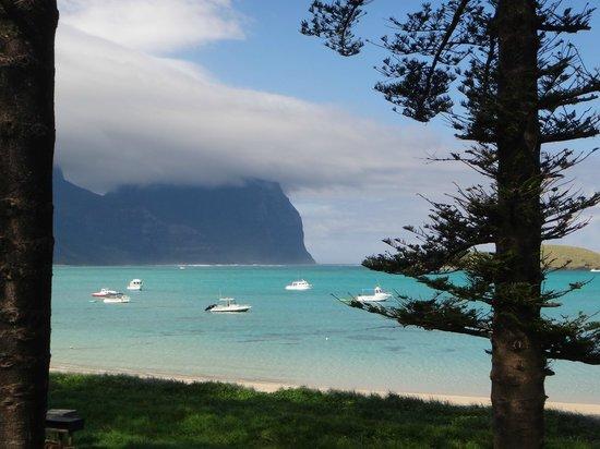 Lord Howe Island Walking Trails: Overlooking the lagoon