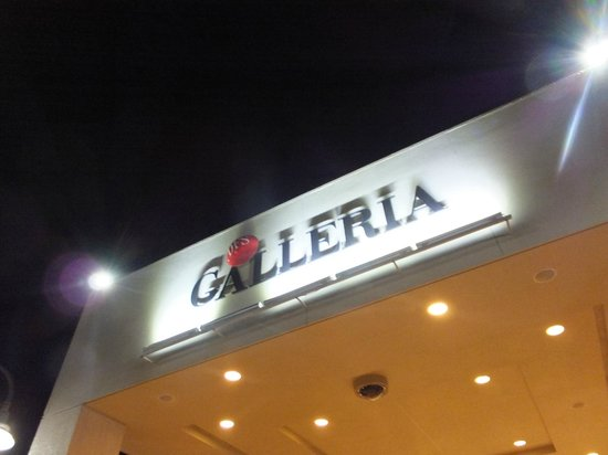 T Galleria by DFS, Saipan: サイパン随一のショッピングセンター