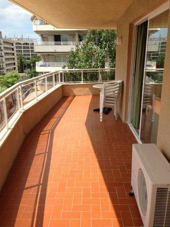 Apartments California: Enormous balcony