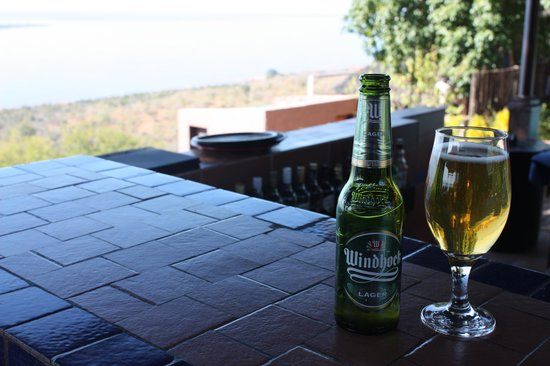 Bumi Hills Safari Lodge & Spa: Nothing like a cold beer