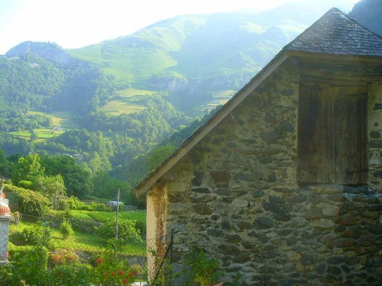 Maison Bergoun : gorgeous view of the valley from the hotel