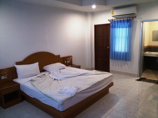 Neeraja Guesthouse: My spacious, clean and comfortable room.