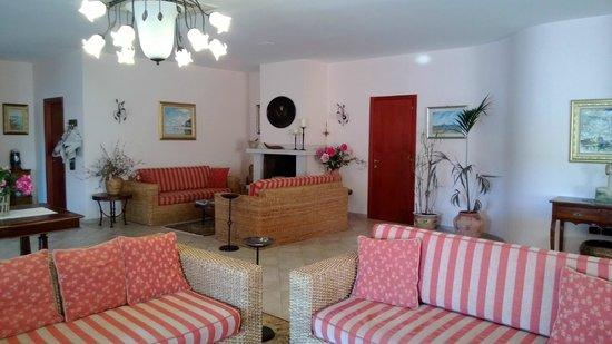 Garden Hotel Ripa: Empfang