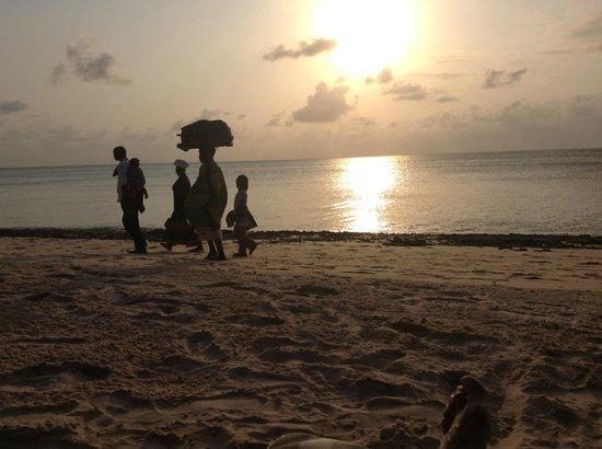 Anantara Bazaruto Island Resort : Local people returning home sunday afternoon