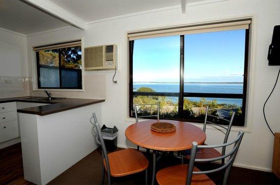 Matthew Flinders Terraces : The view of Island Beach
