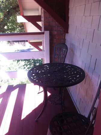The Craftsman Inn: small balcony