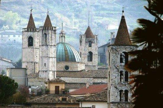 Agriturismo Villa Bussola: The beautiful Ascoli Piceno, 15minutes drive from Villa Bussola