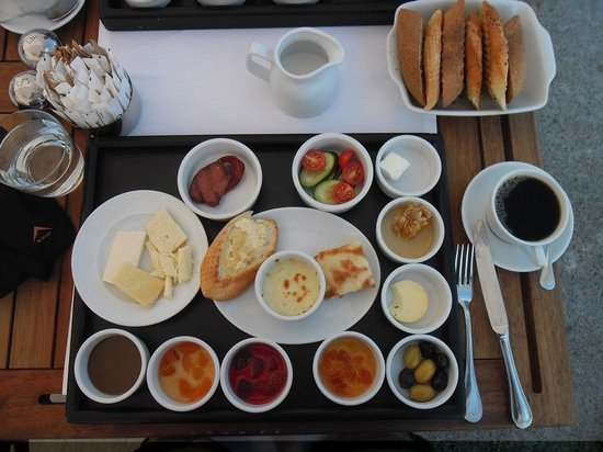 Ajia Hotel: The Breakfast tray