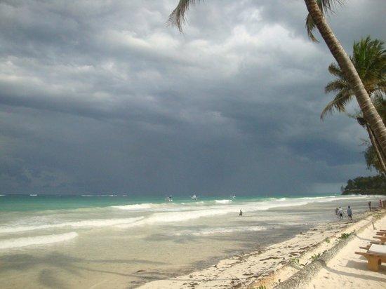 Ocean Village Club: Strand bei Flut