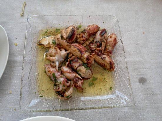 Iberic: Chocos a la plancha -  Restaurant IBÈRIC (Ullastret)