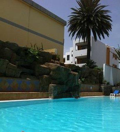 Piscina del hotel picture of casas pepe playa del for Piscina playa del ingles