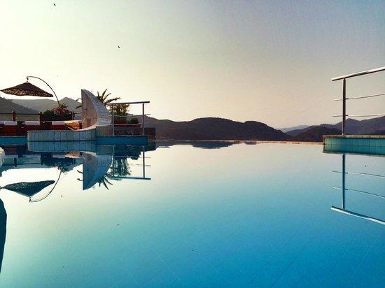 Terrasses de Selimiye Butik Hotel: Pool with view