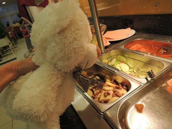 Hotel Carolina: food