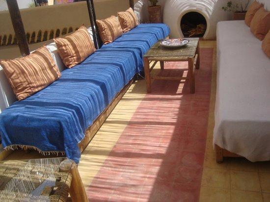 Riad Villa El Arsa: More places to relax!!