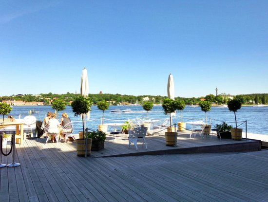 Elite Hotel Marina Tower: Breakfast by the water