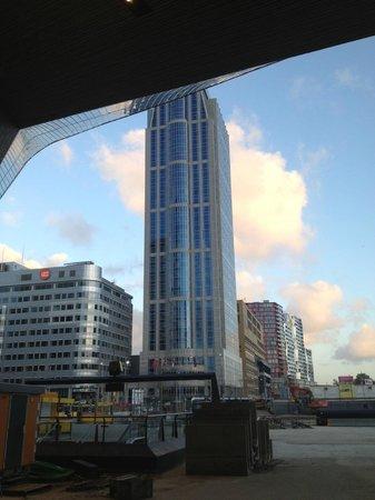 Rotterdam Marriott Hotel: the hotel building