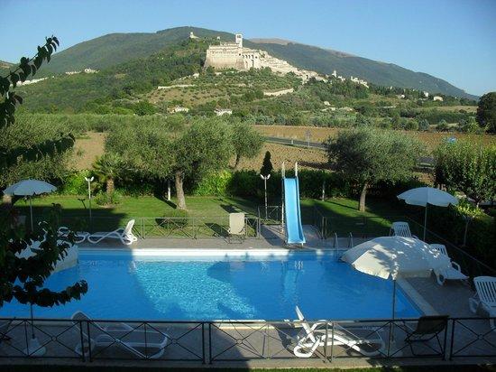 Agriturismo Il Girasole Assisi: questo era ciò che si vedeva dalla mia camera!!!! Favoloso!!