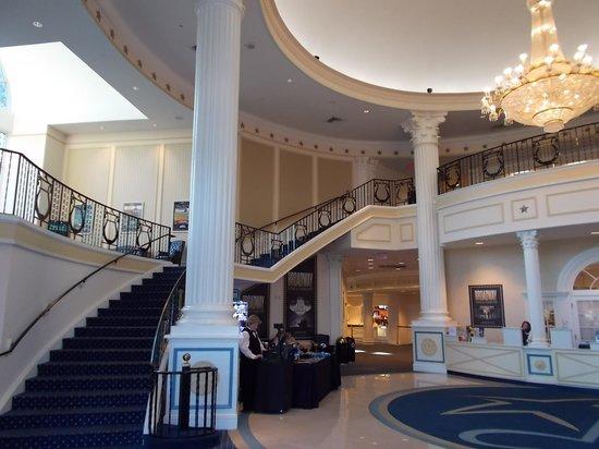 American Music Theatre: lobby