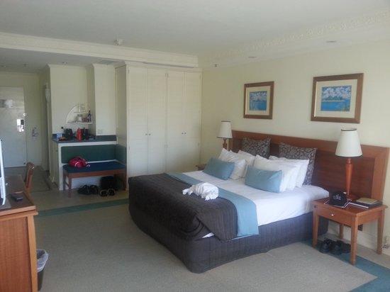 โรงแรมเซเบล แคร์นส์: our room